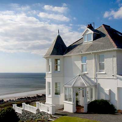 Morwendon House in Barmouth
