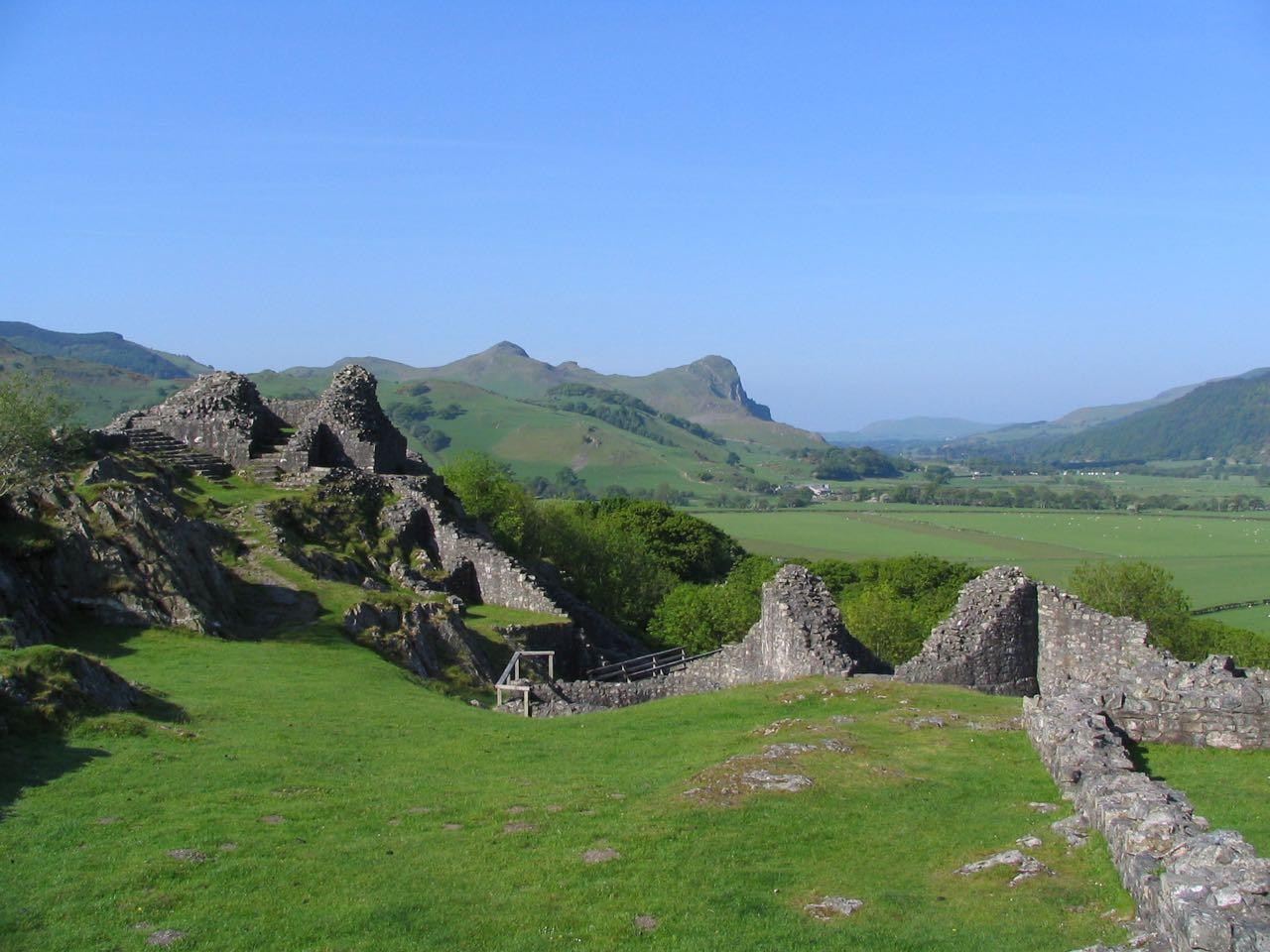 Castell y Bere Towards Craig yr Aderyn