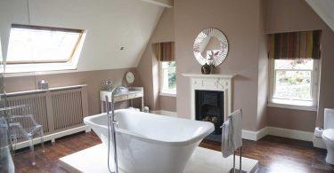 Ffynnon (Emily Bathroom)