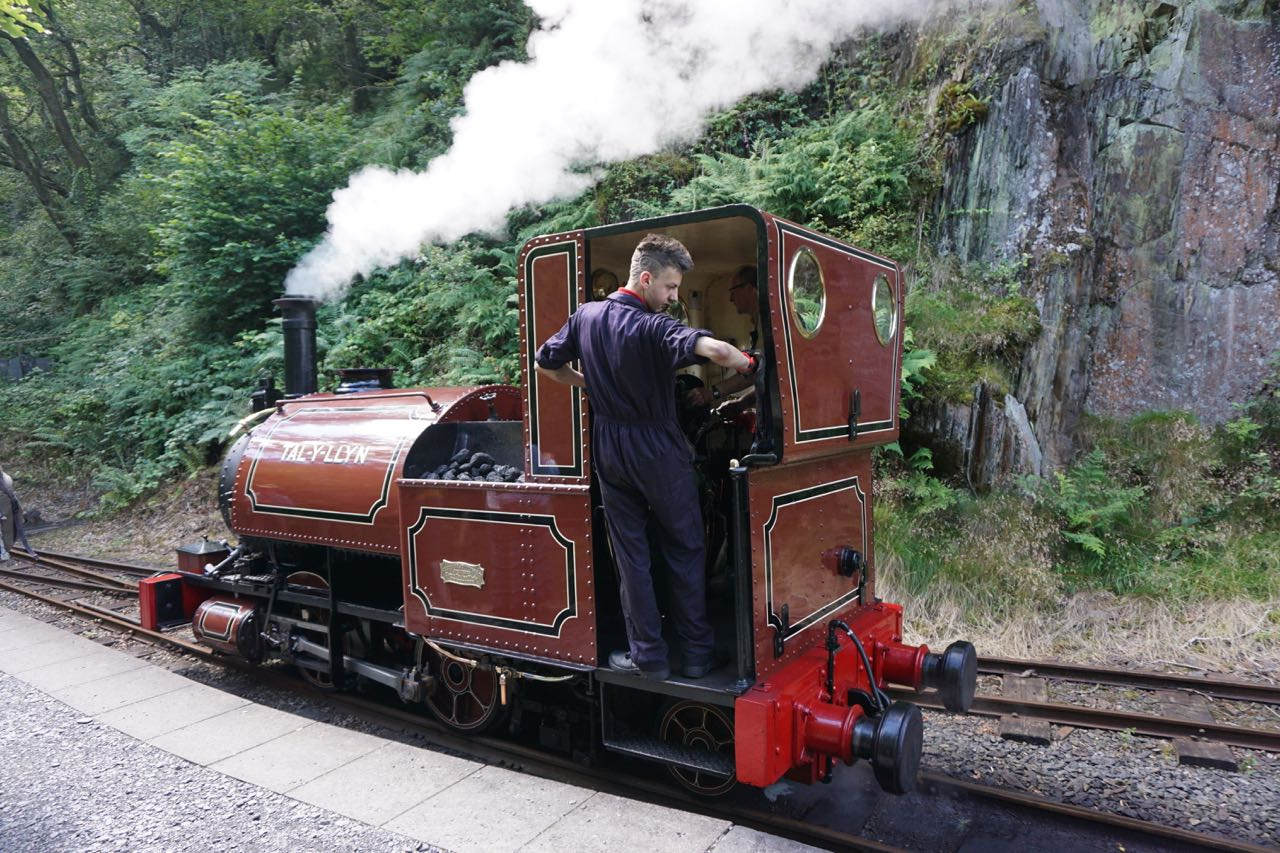 The Talyllyn Railway - Tal-y-Llyn Loco at Nant Gwernol Station